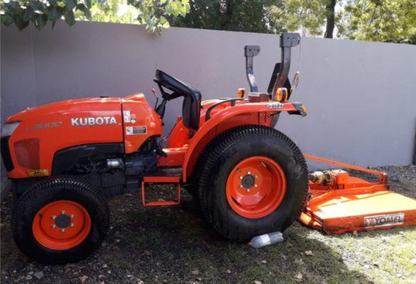 TRACTOR KUBOTA L3800 4X4 C DESMALEZADORA